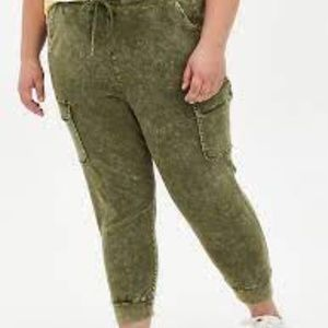 Torrid Relaxed Fit Cargo Jogger Stretch Challis 4